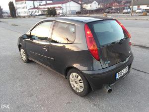 FIAT PUNTO ,ekstra auto, regist,2002 god