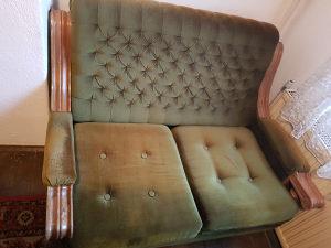 Prodajem Garnituru - Puno Izrezbareno Drvo