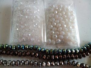Kristali 6 mm 99 kom