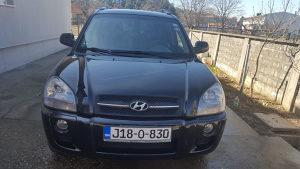 Hyundai TUCSON 2,0 Koza Automatska Klima Navigacija 4X2