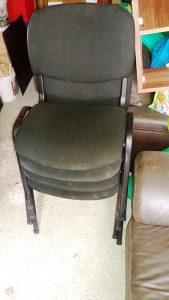 Prodajem kancelarijske stolice / 4 kom, crna boja