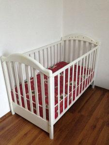 Krevetac za bebe + madrac