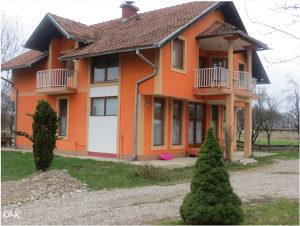 Namješten stambeno poslovni objekat 220 m²