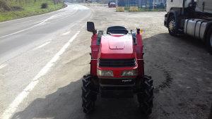 Mini traktor