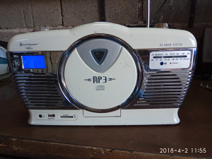 Kucni radio cd mp3 usb sd card