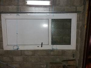 Plasticna vrata sa staklom