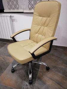 Kožna šefovska fotelja