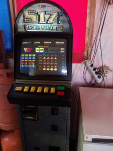 Slot aparate