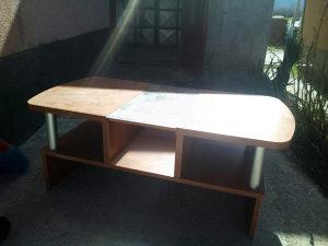 Stolić za dnevni boravak