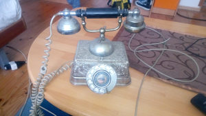 Telefon antika