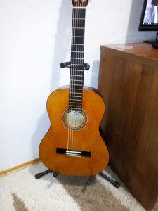 Gitara akusticna, klasica