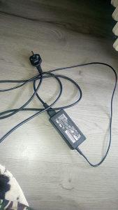 Adapter za laptop Toshiba / Fujitsu Siemens 19V - 3.42A