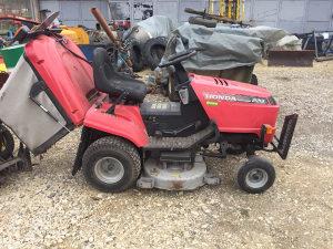 Kosilica traktor honda 2213 hydrostatic