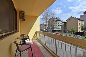 Renoviran trosoban stan-Socijalno-Marka Marulića