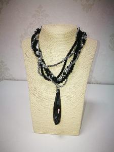 Ogrlica crna
