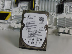 Hard disk za laptop SSHD 1TB