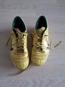 Kopacke Nike R9