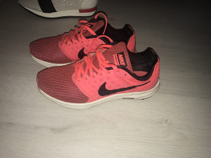 Tene Nike paar puta nosene
