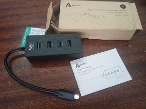 AUKEY USB-C to 4 USB 3.0 Hub, punjač