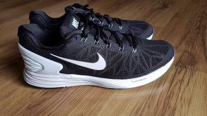 Nike patike br.47