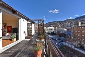 Dvosoban stan sa terasom - Centar - Iznajmljivanje