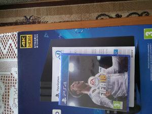 PS4 - PlayStation 4 PRO 1TB PLUS FIFA 18