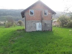 Prodajem kuću sa zemljom!!