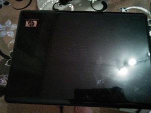 Laptop hp (za djelova)
