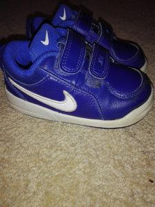 Nike patike za djecake,br.22