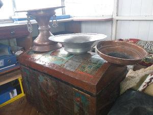 Prodajem Seharu i metalne posude 066-942-419