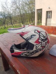 Cross kaciga motocross UVEX M velicina