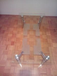 Stakleni stol
