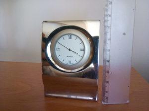 Stolni sat INOX