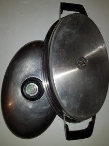 AMC ovalna posuda