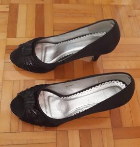Elegantne cipelice sa manjom štiklom br.39 NOVE