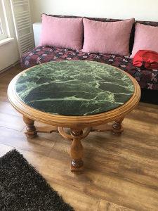 Mermerni stol