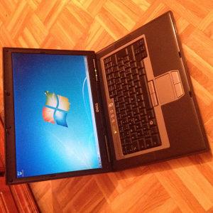 Laptop Dell D820