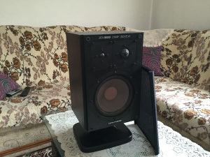 Zvucnik grundig box 8000