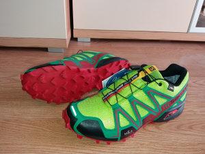 Salomon Speedcross 3 GoreTex ; Asics 100KM