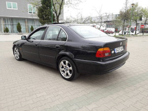 BMW E39 520 2001 god. Reg.do 12/2018 top stanje