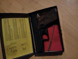Pistolj plasljivac startni 6mm