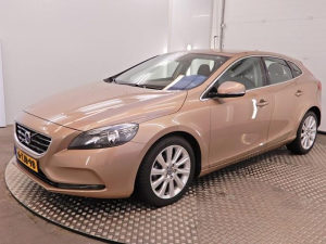 VOLVO V40 SUMMUM 2014GOD 1.6DIZEL 065/630-014