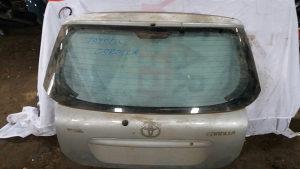 Toyota corolla gepek vrata