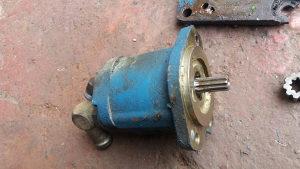 Hidraulicna pumpa sa prirubnicom fiat universal