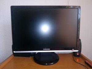 """Lcd monitor 22"""" incha samsung"""