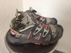 SALOMON planinarske patike br. 41,5 ( sandale )