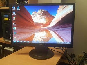 "Fujitsu LCD monitor - 22"""