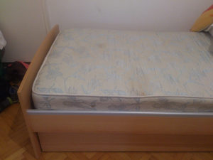 Krevet i madrac 120