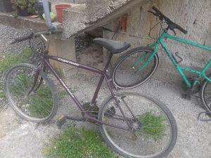 Prodaju se dva bicikla!