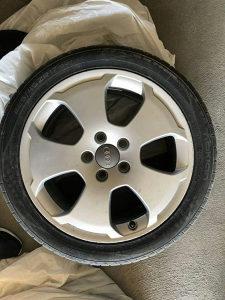 """Alu Felge 17"""" 5×112 sa gumama Audi"""